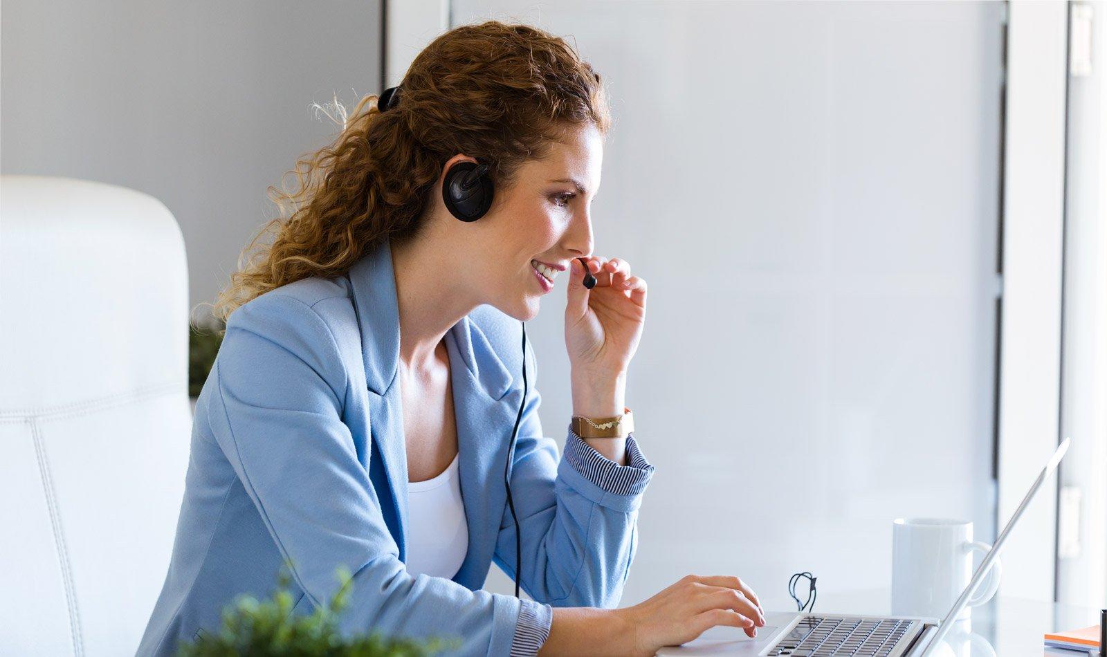 cómo pueden los negocios interactuar con sus clientes para mejorar la experiencia de usuario