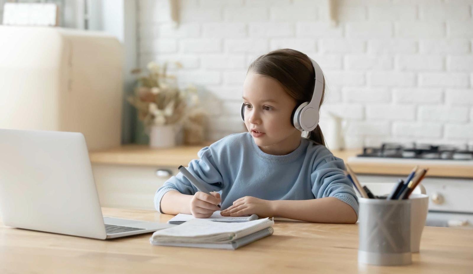 ¿Cómo ayudan las comunicaciones unificadas a la educación?